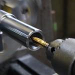 下町ボブスレー2号機部品製作の様子|旋盤タップ|大野精機